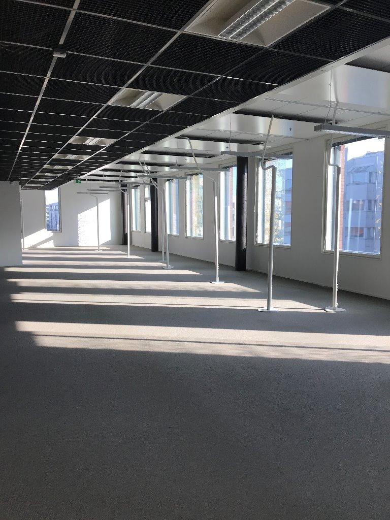 Itämerenkatu 23, toimistotilaa 4500 m2 kolmessa kerroksessa.
