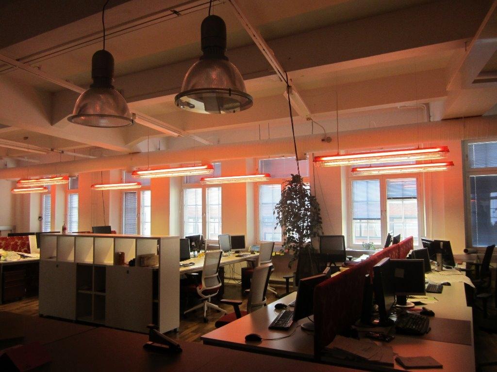 punavuoressa industrial henkistä korkeaa  toimistotilaa